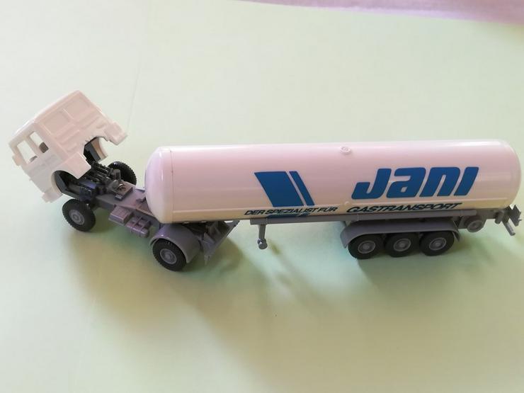 Bild 2: Wiking HO Modell MAN 16.256 FS Flüssiggastank