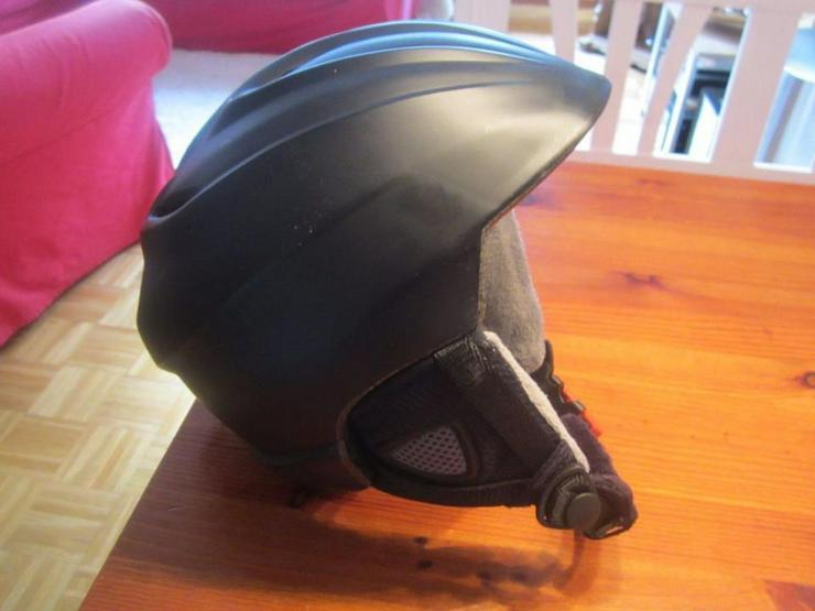 Bild 5: Alpinski Ausrüstung von HEAD