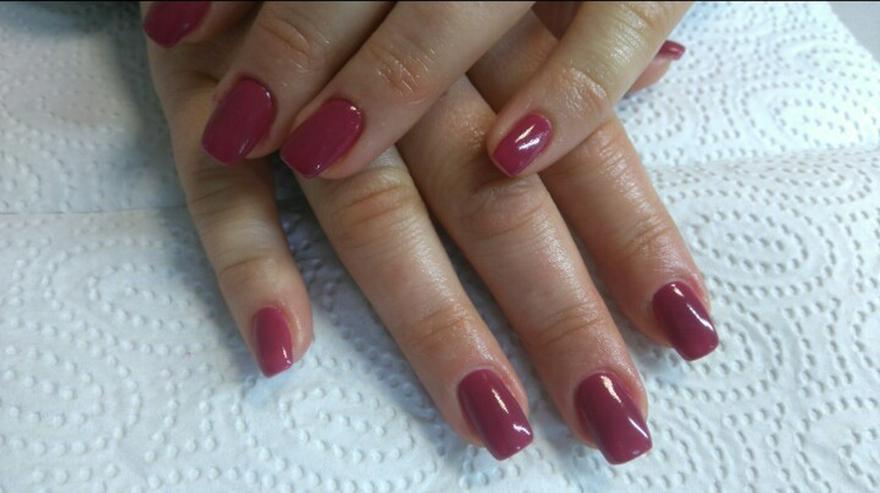 Bild 3: Ly Nails Nagelstudio & Fußpflege