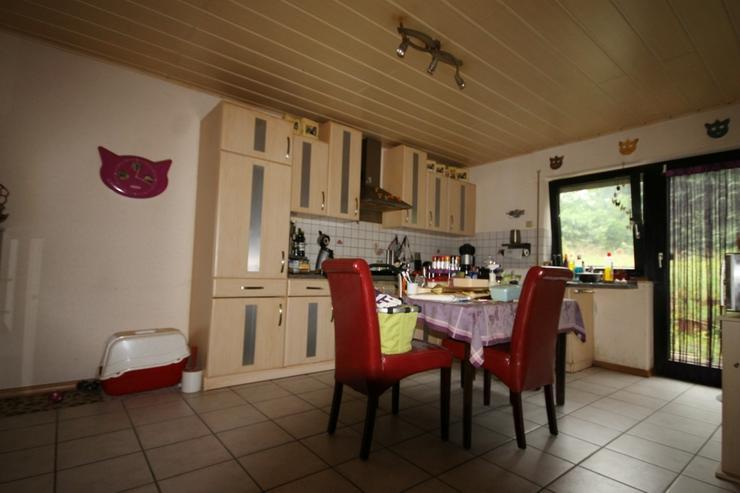 Bild 4: Schnell die Chance nutzen, in Seenähe für einen zivilen Preis ein großes Haus zu ersteh...