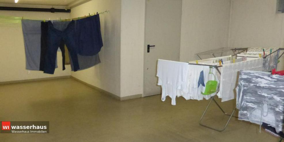Bild 14: 2 Zimmer mit Südbalkon, EBK, Bad mit Wanne und extra breiten TG Stellplatz