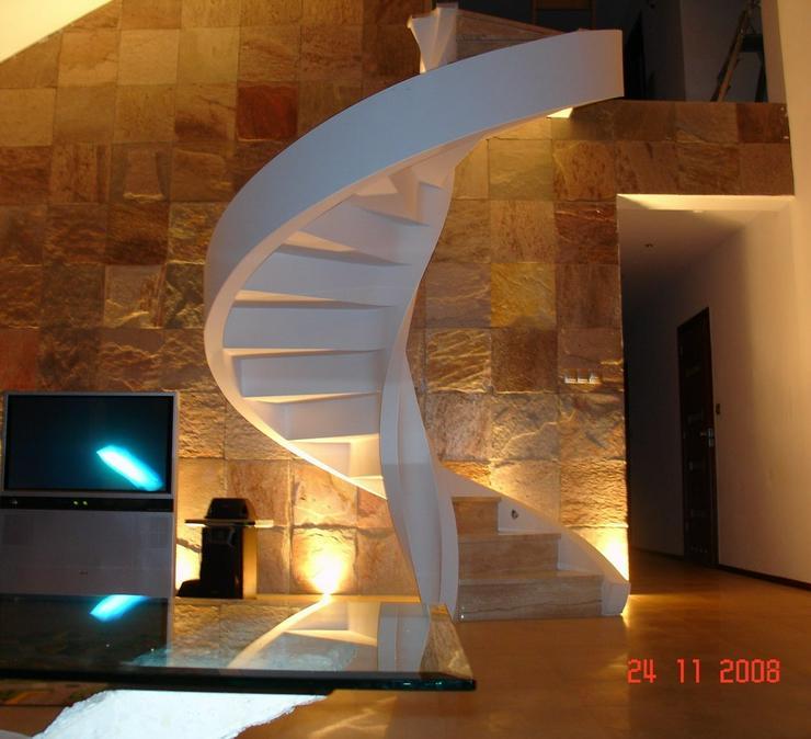 Bild 6: Wendeltreppen - Massive Treppe aus Beton