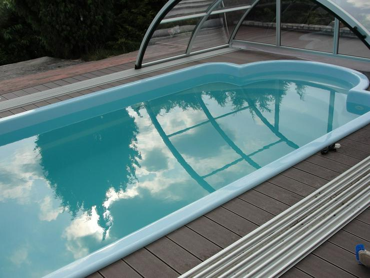 Polyester Pool 6.30x3.00x1.50m + Dach