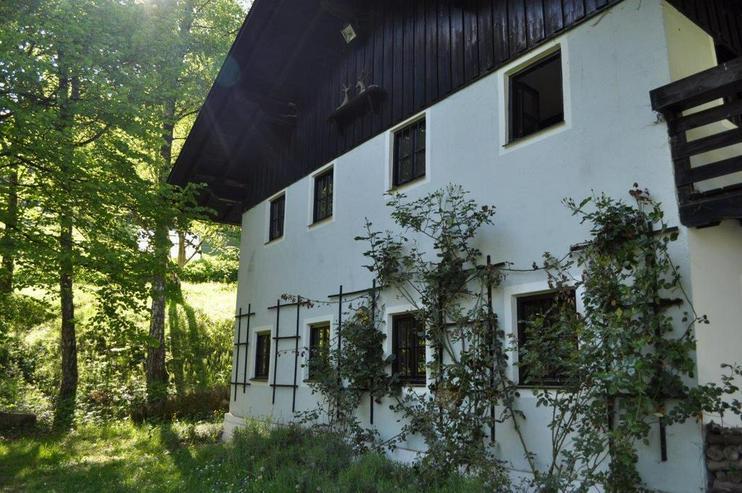 Bild 2: ***Liebhaberobjekt: Liebevoll renoviertes Traumanwesen in absoluter Allein- und Höhenlage...