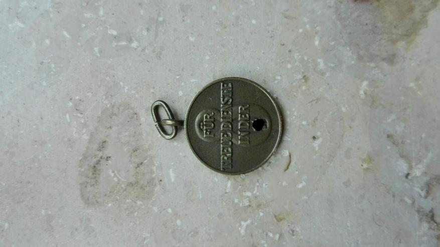 Bild 3: Orden, Ehrenzeichen, Medaillen,
