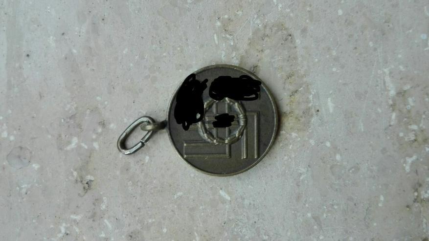 Bild 4: Orden, Ehrenzeichen, Medaillen,