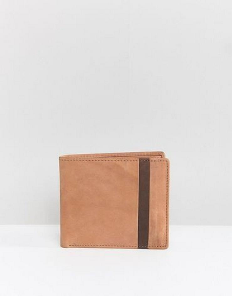 Brieftasche mit wichtigen Dokumenten