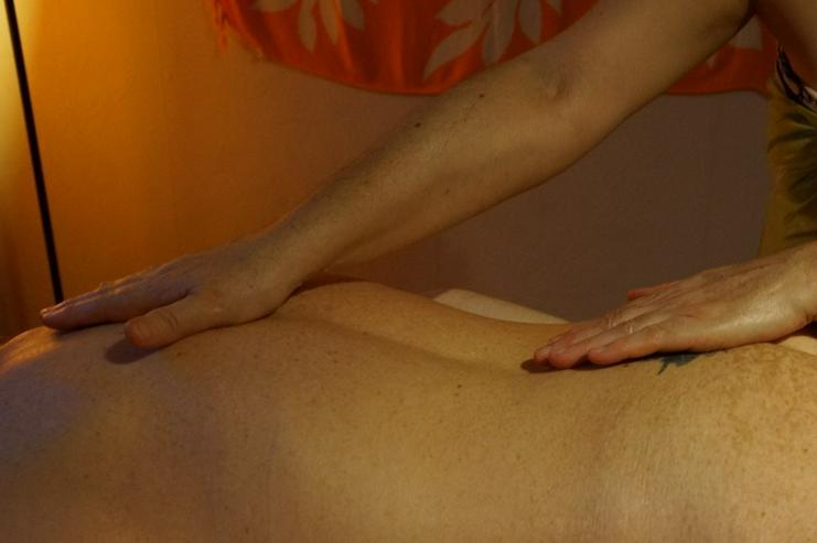 Bild 5: Lomi Lomi Massagen bei Wellness & Passion