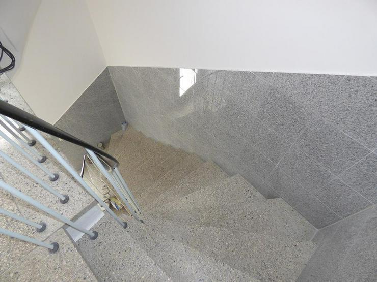Bild 2: Renovierte 4-Zimmer-Stadtwohnung mit Dachterrasse!
