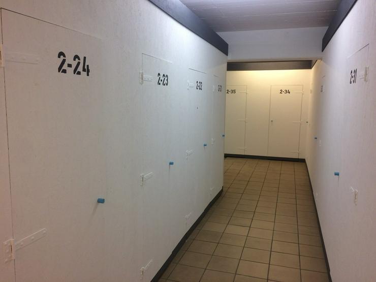 Bild 2: Lagerbox Selfstorage Halle Lager Lagerraum