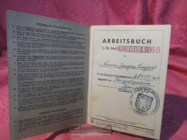 Bild 3: Arbeitsbuch Ausgabe 1946 / 1948 ausgestellt /