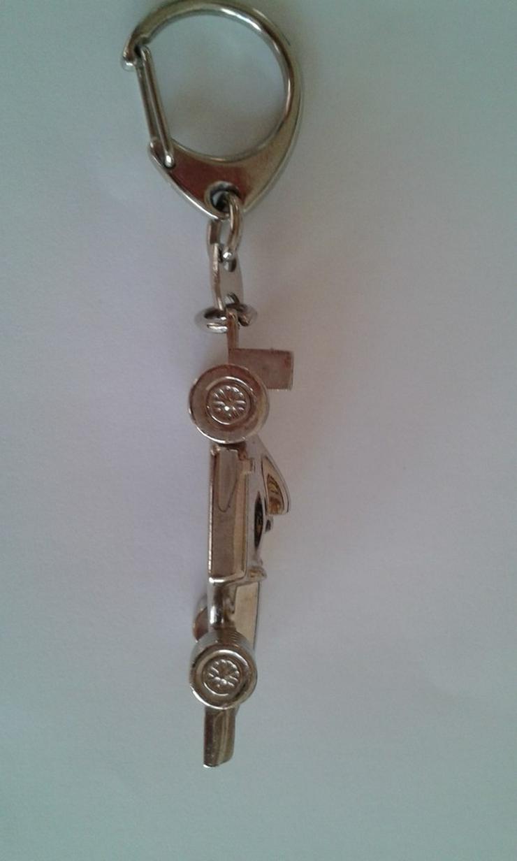Bild 4: Formel 1 Schlüsselanhänger - Metall/Chrom