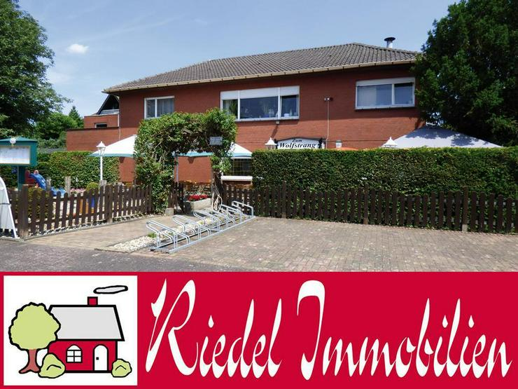 Bungalow (ca. 130 m²) mit Gaststätte (ca. 222 m²) bzw. 2 zusätzliche Wohnungen!