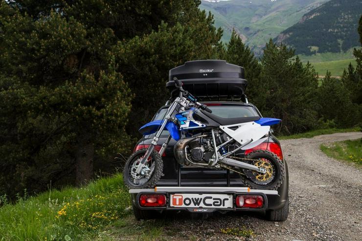 Bild 2: Motorrad Moped Träger auf der Anhängerkupplung
