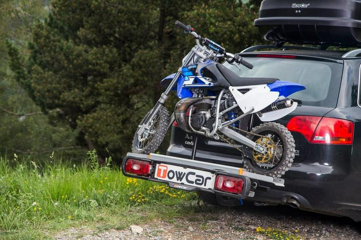Motorrad Moped Träger auf der Anhängerkupplung