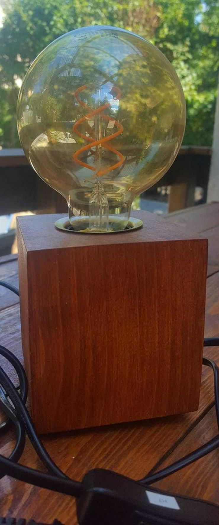 Bild 2: Holzlampe---Erika---Handanfertigung