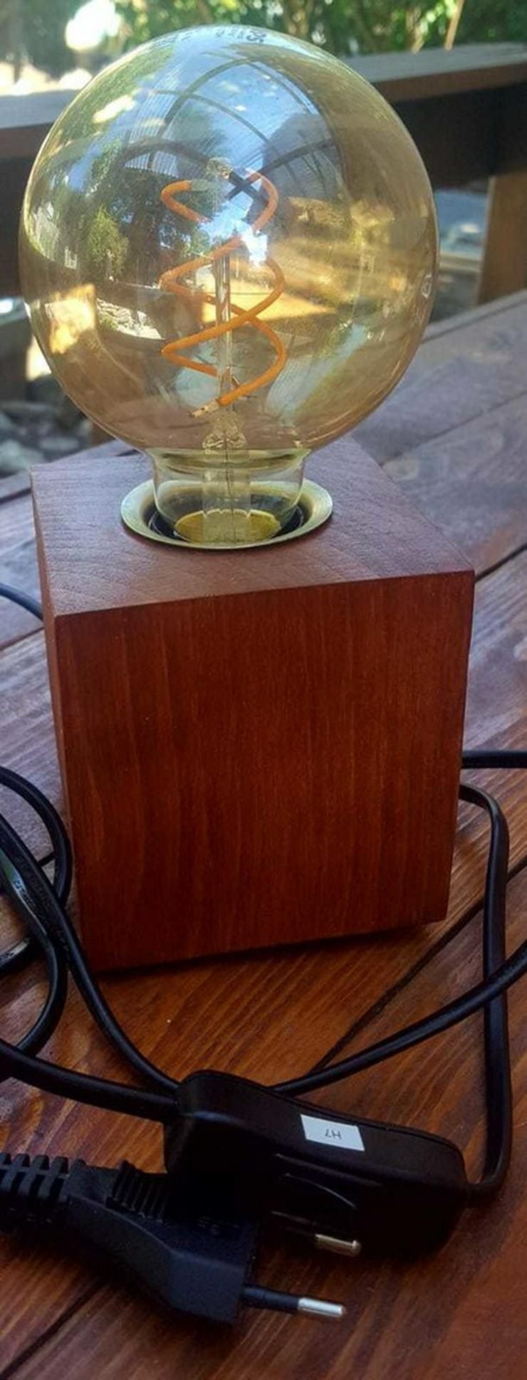 Bild 3: Holzlampe---Erika---Handanfertigung
