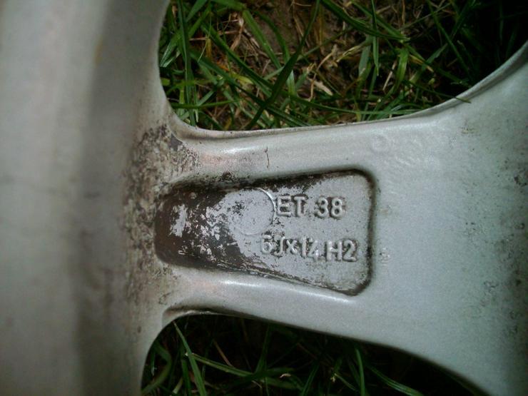 Bild 2: 4 Alufelgen mit Reifen
