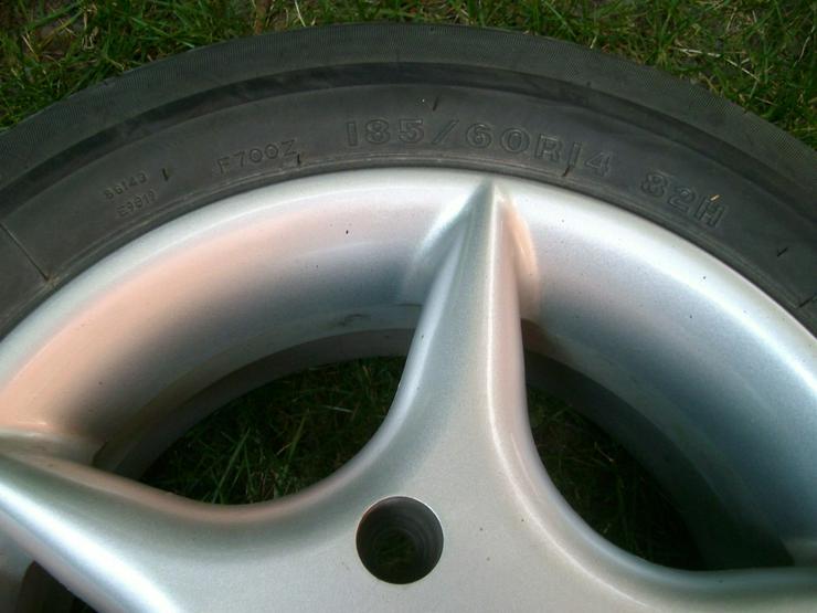Bild 6: 4 Alufelgen mit Reifen