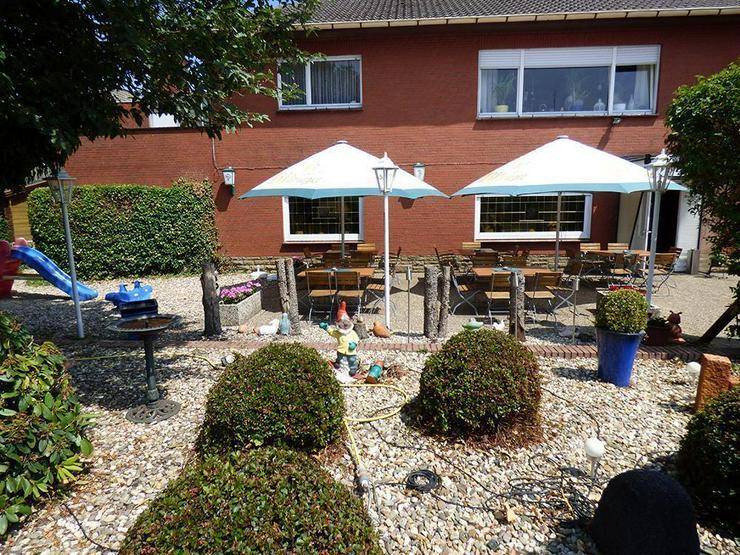 Bild 4: Gaststätte (ca. 222 m²) mit Bungalow (ca. 130 m²)!