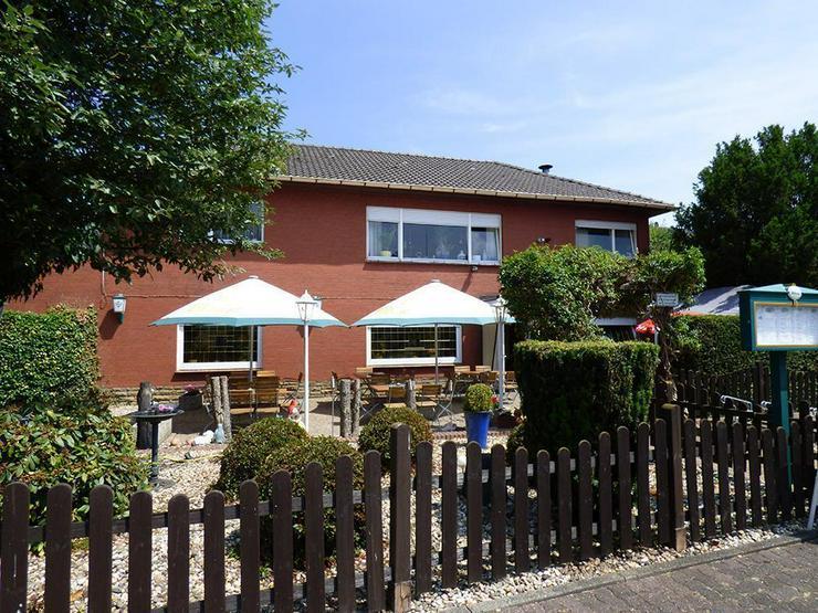 Bild 3: Gaststätte (ca. 222 m²) mit Bungalow (ca. 130 m²)!