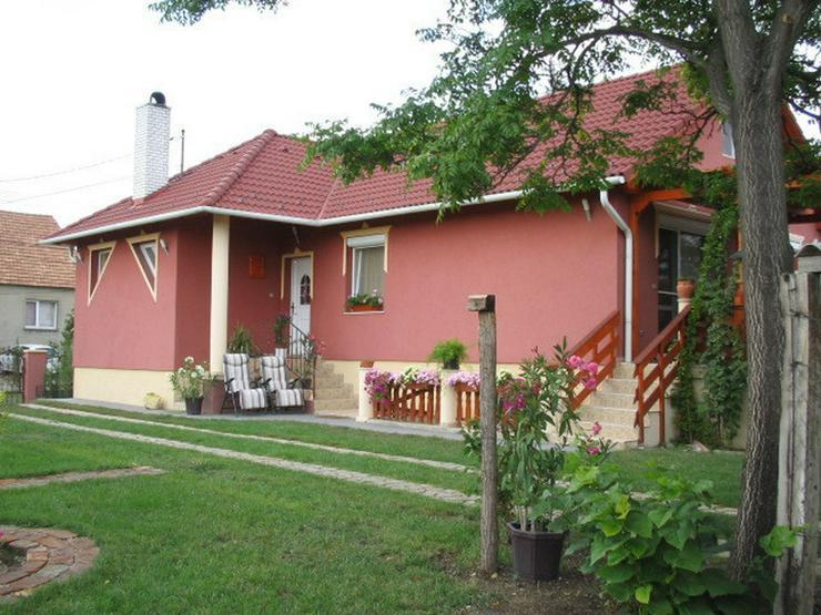 Bild 2: Wunderschönes neuwertiges Haus in Ungarn