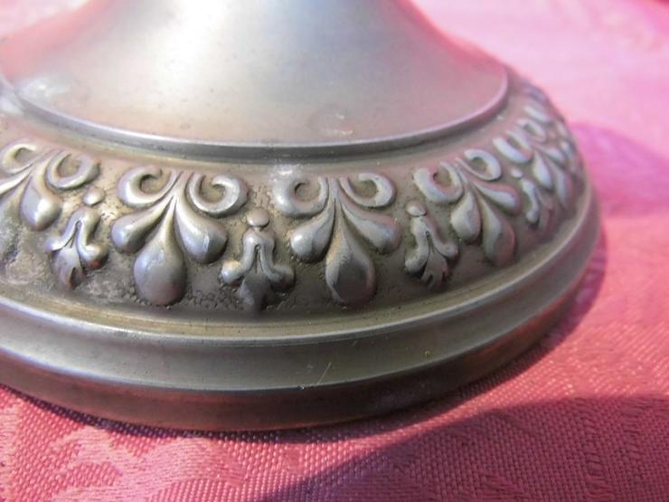 Bild 4: Antiker Kerzenständer / Kerzenhalter / Tischle
