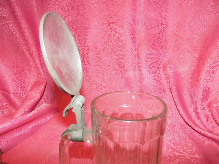 Bild 5: Antiker Glas Bierkrug mit Zinndeckel / Sächsis