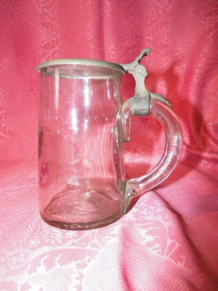 Bild 2: Antiker Glas Bierkrug mit Zinndeckel / Biersei