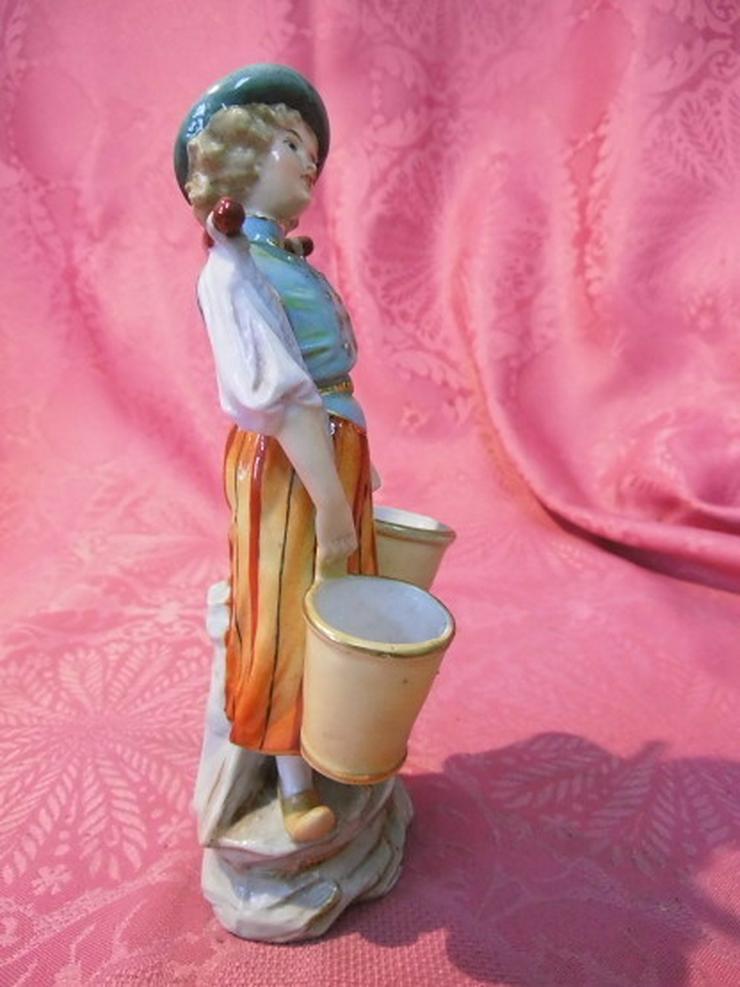 Bild 5: Antike Porzellanfigur Mädchen mit Wassereimer