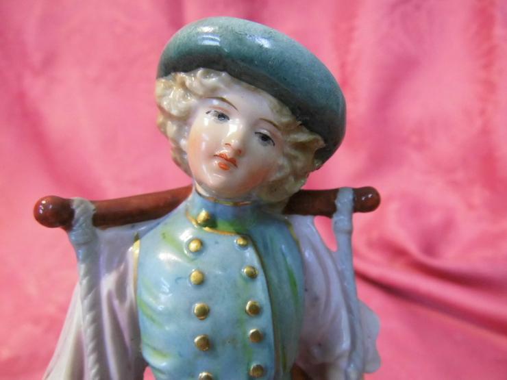 Bild 6: Antike Porzellanfigur Mädchen mit Wassereimer