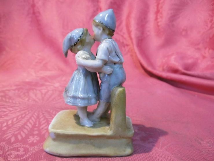 Bild 3: Antike Porzellanfigur Küssendes Kinderpärchen