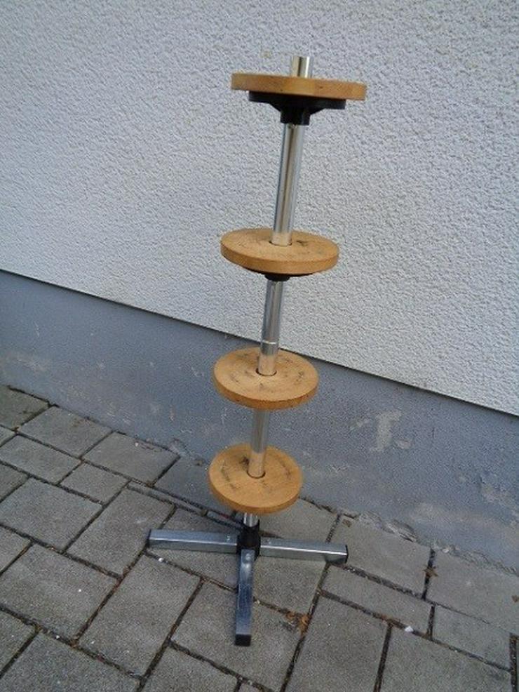 Bild 2: Felgenbaum Reifenhalter mit Holz