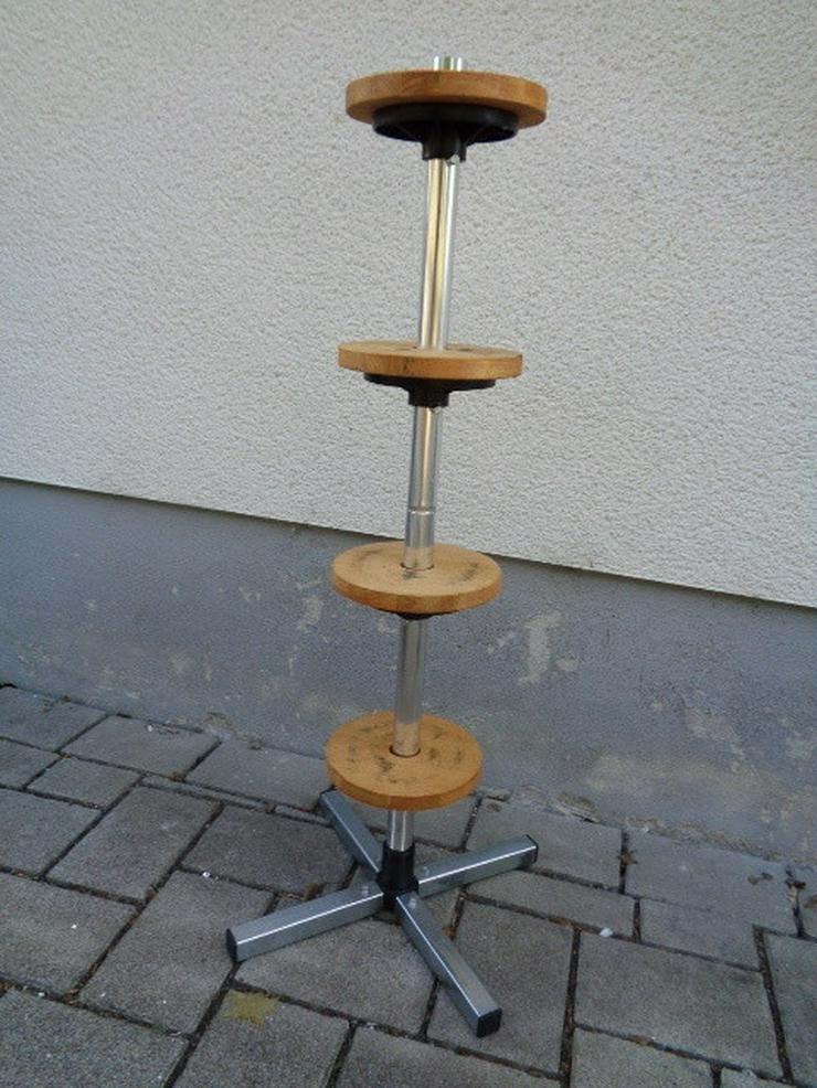 Bild 3: Felgenbaum Reifenhalter mit Holz