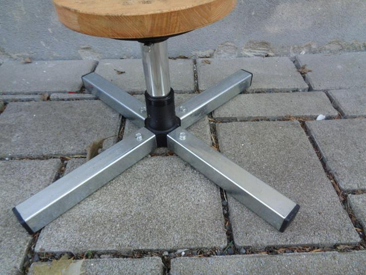 Bild 4: Felgenbaum Reifenhalter mit Holz