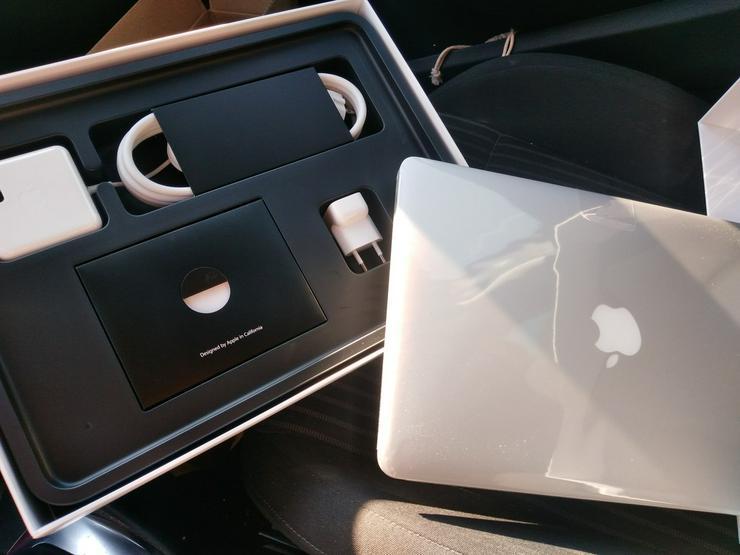 MacBook Air MQD42D/A Intel i5 256GB SSD