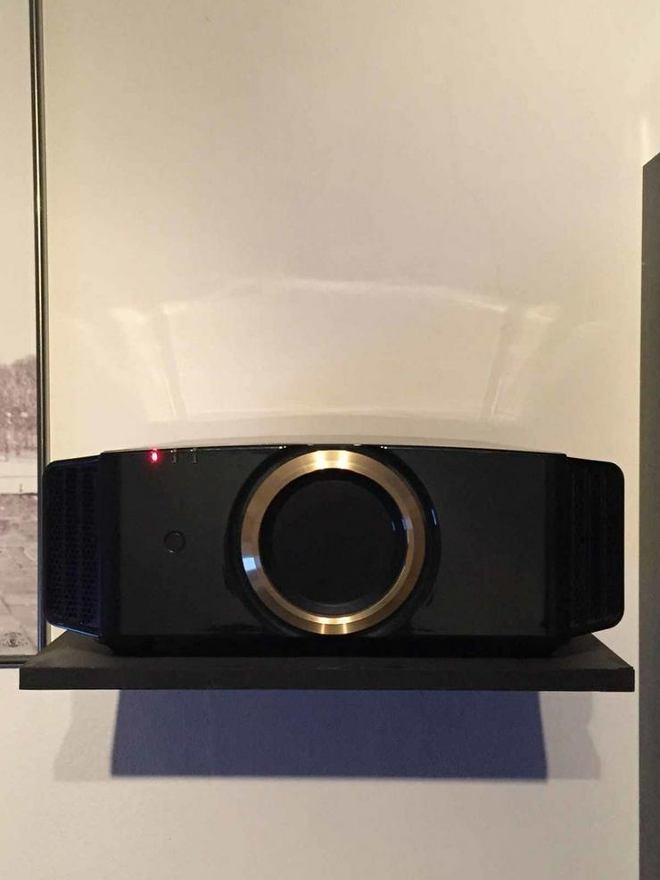 JVC DLA-RS57 (X700) 4K,garantie 2 Jahre - Video Recorder - Bild 1