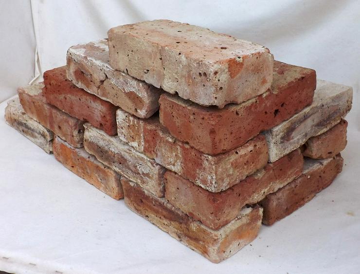 Bild 2: Antikziegel alte Mauersteine rustikale Ziegel
