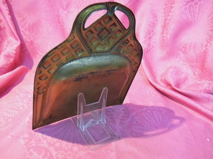 Bild 3: Antikes Tischkehrblech ohne Tischbürste / Stah