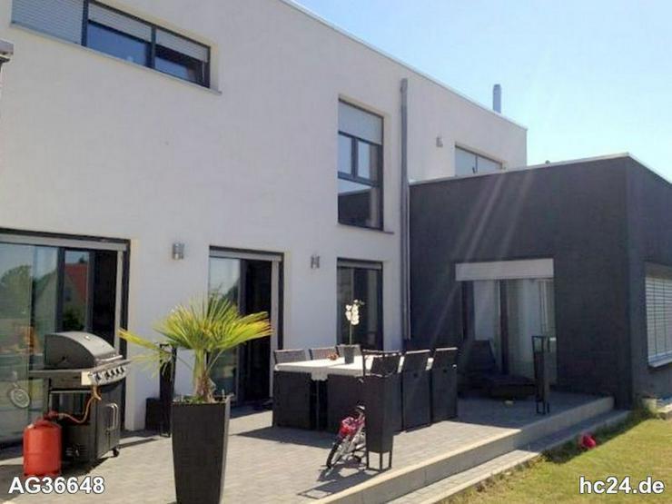 Exklusiv und top möbliertes Haus mit Terrasse u. Garten in Erlangen Büchenbach - Wohnen auf Zeit - Bild 1