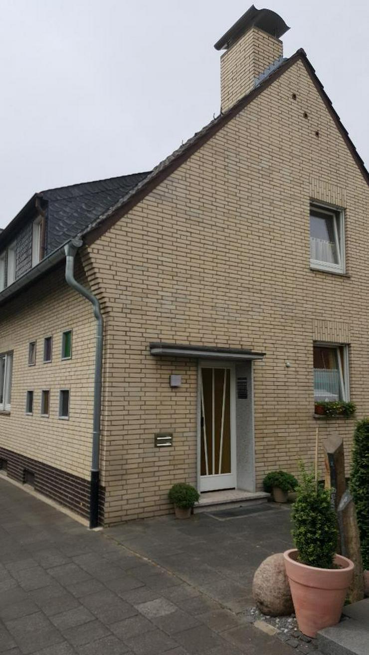 Kapitalanleger aufgepasst! 1-2-Familienhaus in Schiefbahn - Bild 1