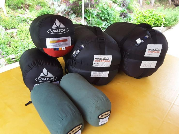 Bild 2: Winterschlafsäcke , Sommerschlafsäcke je 2 St.