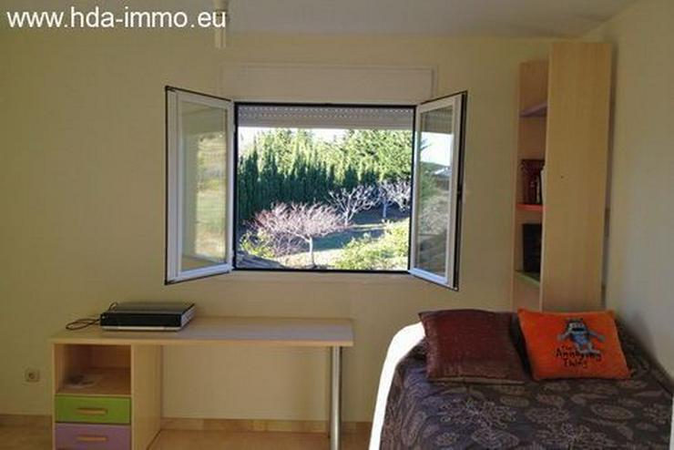 Bild 2: : 4 Schlafzimmer Villa in Estepona mit Meerblick.