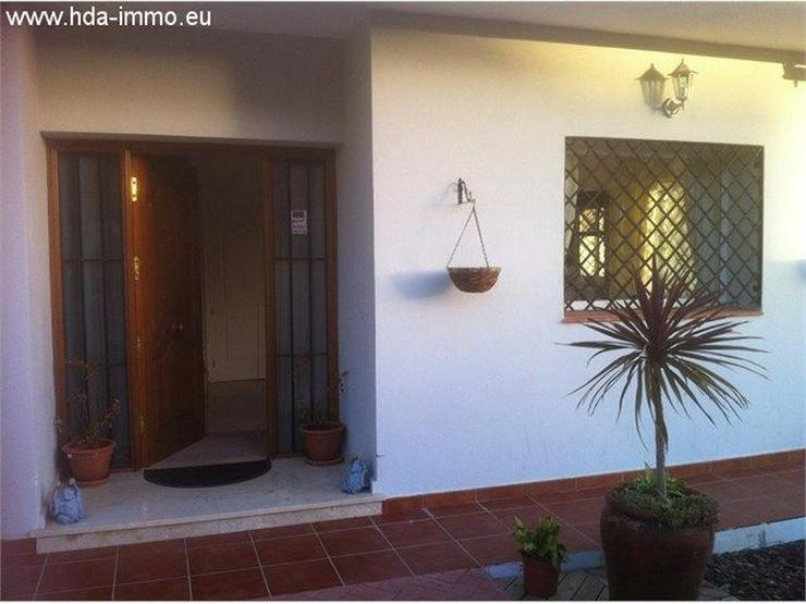 : Helles Stadthaus in Golfplatz La Duquesa, Costa del Sol - Haus kaufen - Bild 1