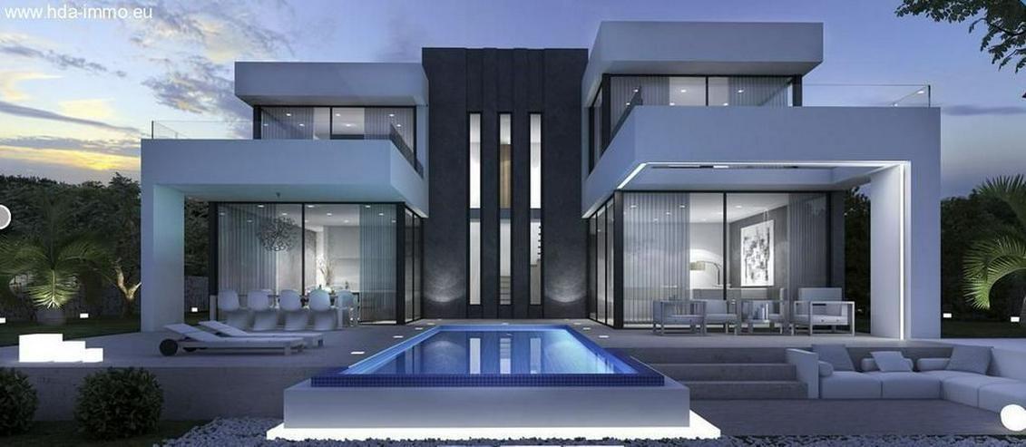 : Bauhausstil Villa, modern und extravagant, in Marbella-Ost El Rosario - Haus kaufen - Bild 1