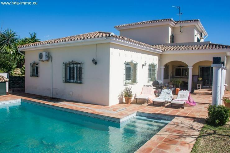 : 4 Sz Villa in in Los Hidalgos, La Duquesa, Manilva - Haus kaufen - Bild 1