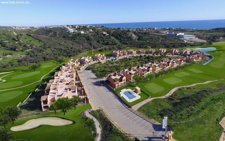 : Villa Costa Golf, Estepona, Neubau, Erstbezug, - Haus kaufen - Bild 1