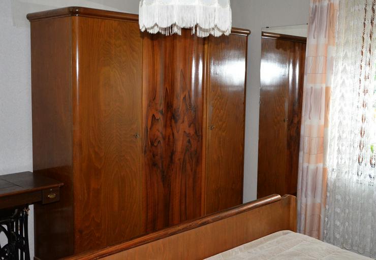 Schlafzimmer Massivholz von Oma