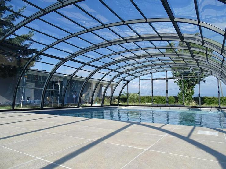 Bild 3: Schiebeüberdachung zu Schwimmbecken aus Polen