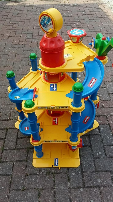 Große Parkgarage/ Parkhaus von der Firma Warder - Spielzeug für Babys - Bild 1